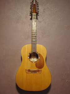 Sitka spruce top, Hunduras mahgany back and sides
